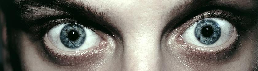 Angst: Pupillen weiten sich, Seh- und Hörnerven werden empfindlicher