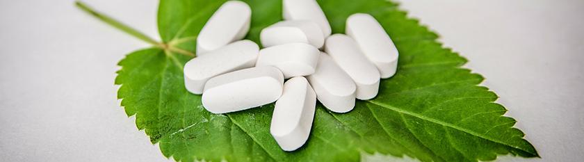 Benzodiazepine: angstlösende, zentral muskelrelaxierende, sedierend und hypnotisch (schlaffördernd) wirkende Arzneistoffe.
